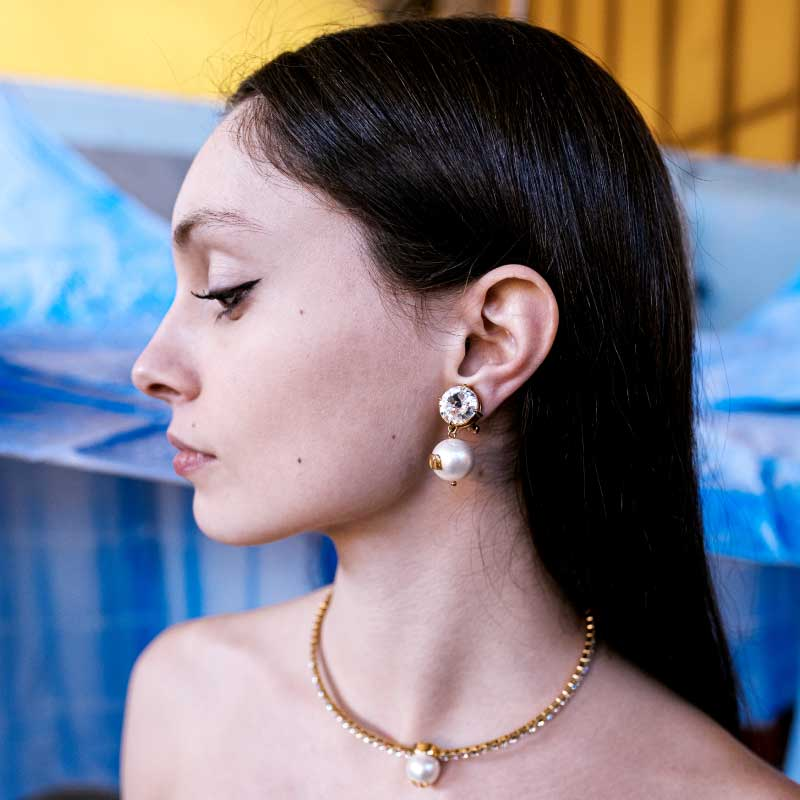 chloè-miu-miu-jewelry-woman